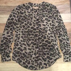 Banana Republic Gray Leopard Animal Print shirt 2